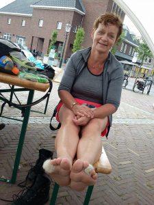 wandelwol, zere voeten, blaren, preventief. vechtdal, anwb, wandelaar, blaren, doorprikken, blarendoorprikken, schoenen, sokken, tenen,