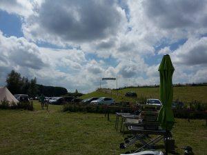 camping, velden, tenten, caravans, Nijmegen, wandelaars, wandelwol, antidrukwol, lopen, blaren